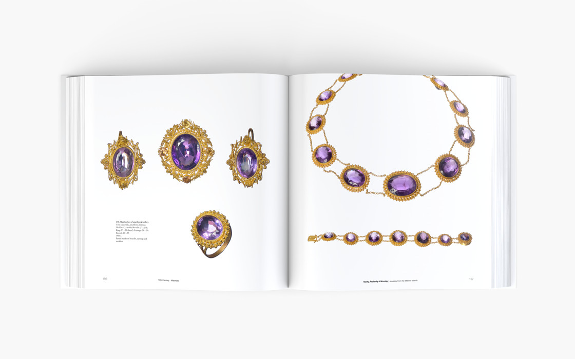 essays contemporary jewellery Find out how we can assist you with an art paper on contemporary jewelry on this pagewe can write for you a similar or related paperget to us now online.